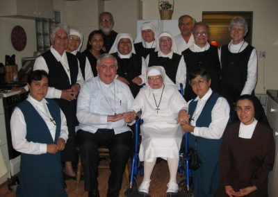 Archbishop Berlie, group picture – 10-11